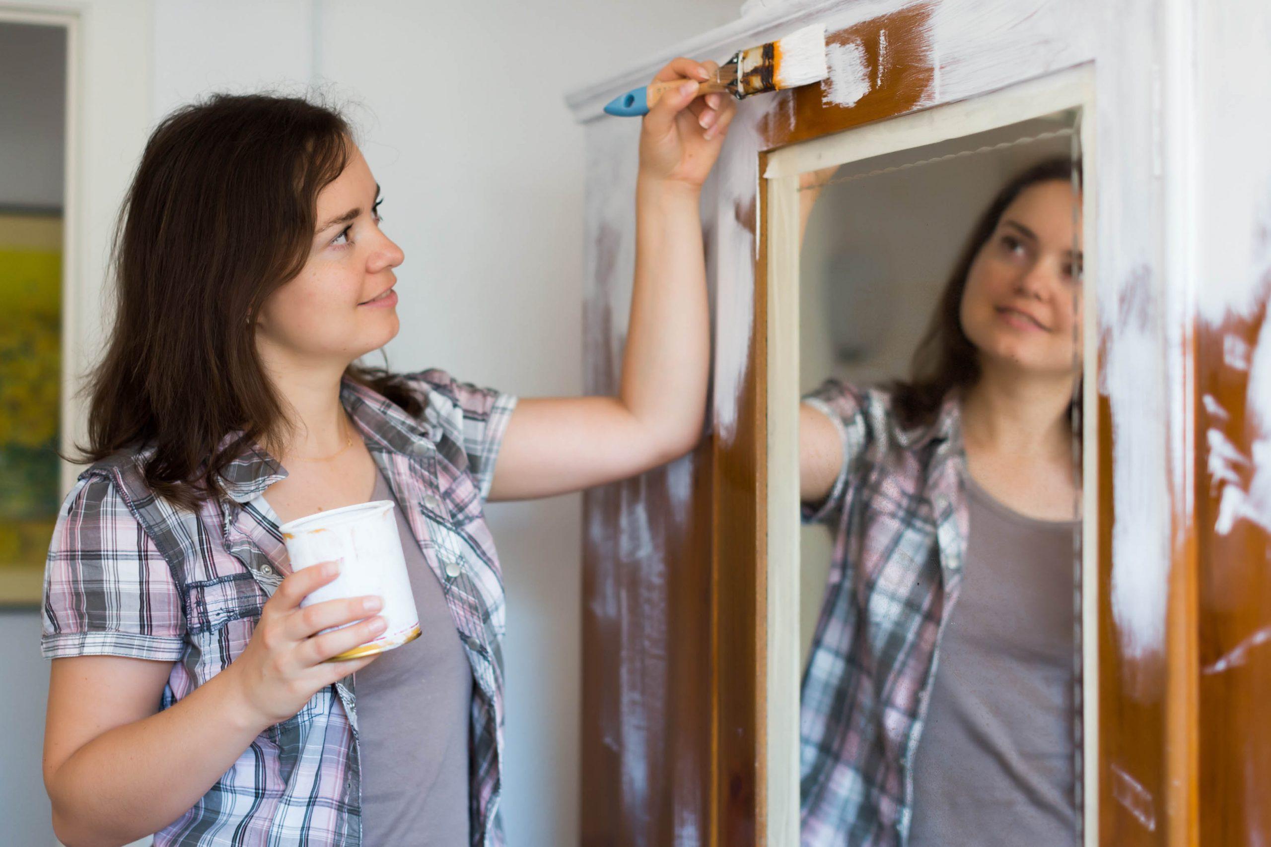 Best Paints For Closets